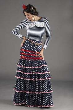 Trajes de flamenca 2017. Colección 2017 Spanish Fashion, Spanish Style, Gypsy Skirt, High Waisted Skirt, Costumes, Boho, Skirts, Photography, Outfits
