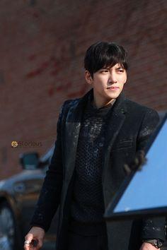 """[Drama] New stills of Ji Chang Wook in """"Healer"""" (Part Ji Chang Wook Smile, Ji Chang Wook Healer, Ji Chan Wook, Korean Star, Korean Men, Asian Actors, Korean Actors, Korean Dramas, Healer Korean"""