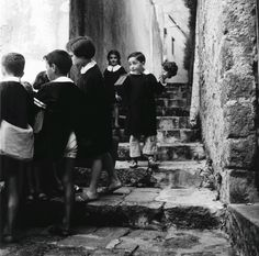 Pupils from the Latymer School, London, 1963 - Jane Bown: a life in photography – in pictures | Art and design | The Guardian