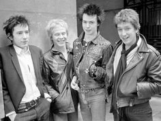 Sex Pistols Punk Rock Band in a London c.1976 Photographie sur AllPosters.fr