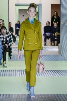 From MFW here's a classy #Prada suggestion for the upcoming winter