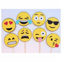 Emoji Photo Booth Props Smiley Face by LetsGetDecorative on Etsy Party Emoji, Emoji Photo Booth, Photo Booth Props, Smileys, Diy And Crafts, Crafts For Kids, Paper Crafts, Smiley Faces, Party Props