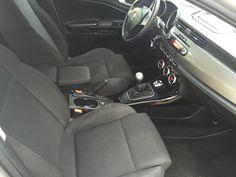 """http://www.fvauto.it VETTURA PERFETTA! TAGLIANDO EFFETTUATO GOMME TERMICHE NUOVE NO FUMATORE GARANZIA DI 12 MESI VALIDA IN TUTTA EUROPA  Dotazione sulla vettura Climatizzatore automatico bi-zona Cruise control Cerchi in lega da 16"""" Sensori parcheggio Fendinebbia Specchietti retrovisori elettrici Radio cd con comandi al volante  4 Vetri elettrici Doppie chiavi presenti   Per maggiori informazioni: Ufficio 0141/476821 Valerio WhatsApp 3466756783 Ulteriori foto sul nostro sito…"""