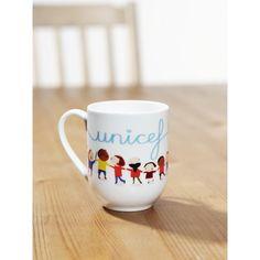 """Come iniziare la vostra colazione con un pensiero UNICEF? Con la tazza colorata """"Un mondo per tutti"""". Questa tazza ha un piccolo valore economico ma un immenso valore per l'aiuto che tanti bambini possono ricevere in cambio. http://regali.unicef.it/index.php/biglietti-e-regali/tazza-un-mondo-per-tutti.html"""