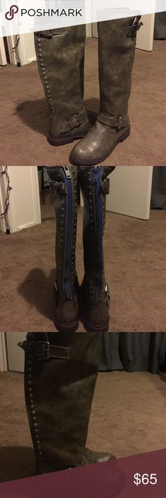 Grey calf high boots!! Never used!! Grey boots, zipper on back, never once used, was given to me for gift but don't fit!! Accepting offers !!!✔️ Shoes