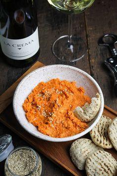 Moroccan Dinner: Spiced Carrot Dip w Chardonnay Recipes Appetizers And Snacks, Appetizer Dips, Yummy Appetizers, Desserts, Moroccan Spices, Moroccan Style, Carrot Dip, Vegan Party Food, Recipes