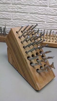 6de22de78feabbe73c2e153ffc696c71.jpg 600×1,065 pixels...old knife block MXS , drill and shebang...new stamp holder