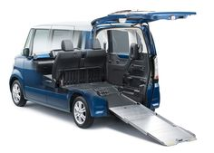 HONDA N+BOX 斜めの床とグッドデザイン賞受賞が魅力の軽自動車