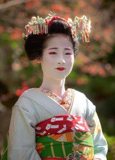 Maiko Ayaha of Pontocho
