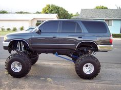 lifted 4runners | UZswap.com - A discussion forum dedicated specifically to swapping UZ ...