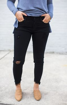6c765e1a8062 25 Best Black distressed jeans images in 2019   Woman fashion ...