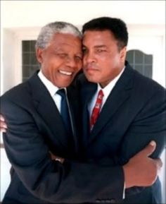 Nelson Mandela and Muhammad Ali. I love this picture because I LOVE LOVE LOVE Muhammad Ali. I grew up in his heyday.he was an icon for me. Mohamed Ali, Nelson Mandela, My Black Is Beautiful, Beautiful People, Photo Star, Non Plus Ultra, African American History, Black People, Black History