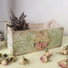 I like the leaf print on muted colors Decoupage Box, Decoupage Vintage, Pretty Storage Boxes, Easy Crafts, Diy And Crafts, Craft Projects, Projects To Try, Floral Printables, Paper Artwork