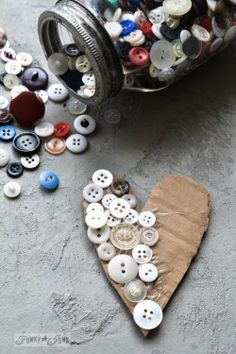 Button covered heart / Rustic hearts from salvaged junk for Valentine's Day.Button covered heart / Rustic hearts from salvaged junk for Valentine's Day. or all year around! via FunkyJunkInterior. Source by deb_isakson. Valentine Tree, Little Valentine, Valentine Day Crafts, Vintage Valentines, Love Valentines, Printable Valentine, Homemade Valentines, Valentine Ideas, Diy Valentine's Day Decorations