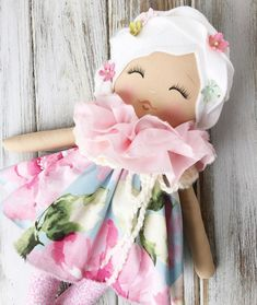 Love, love this floral beauty  #spuncandydolls #clothdolls #lollypoppets #dollmaker #availablenow #inshopnow
