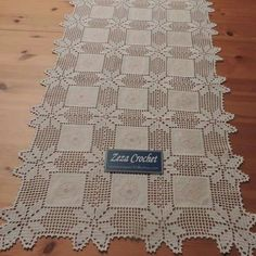 This Pin was discovered by Ter – Knitting patterns, knitting designs, knitting for beginners. Filet Crochet, Freeform Crochet, Hand Crochet, Crochet Lace, Crochet For Beginners Blanket, Knitting For Beginners, Crochet Tablecloth, Crochet Doilies, Lace Patterns