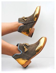 26 Arten von Schuhen, die so bequem sind, dass Sie sie sofort in Ihrem Schrank h… 26 types of shoes that are so comfortable that you want to have them in your closet right away – Continue Reading → Funky Shoes, Cute Shoes, Me Too Shoes, Bootie Boots, Shoe Boots, Ankle Boots, Shoes Uk, Shoes Sandals, Shoes Photo