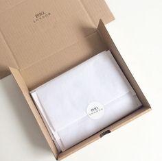 34 Trendy Jewerly Packaging Design Brand Identity World Clothing Packaging, Fashion Packaging, Jewelry Packaging, Pretty Packaging, Bag Packaging, Product Packaging, Packaging Ideas, T Shirt Packaging, Packaging Design Box