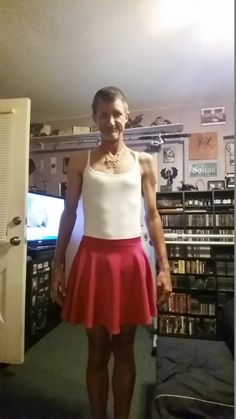 Red skirt w/ cami top Red Skirts, Cheer Skirts, Cami Tops, My Outfit, Skater Skirt, Cute Outfits, How To Wear, Shopping, Fashion