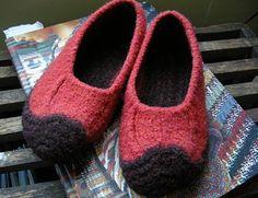 DIY felt slippers (http://blog.betzwhite.com/2011/01/good-ol-duffers.html)