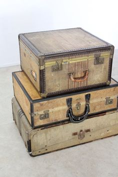 gazaboovintage:  (via vintage 30s luggage / suitcase with travel hotel by 86home on Etsy) #vintage #luggage #suitcase