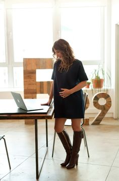 fashionably pregnant [keys: big jewelry, bright nail polish, clothes that can work even after you give birth]