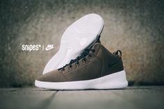 Der Mid Top Sneaker erhält ein wetterfestes Textil-Upper c49db2b16