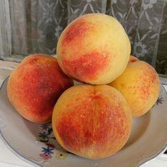#peaches Peaches, My Photos, Fruit, Instagram, Food, Peach, Essen, Meals, Yemek