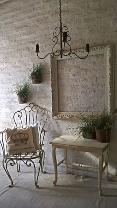 Pin on deco Living Room Decor, Bedroom Decor, Wall Decor, Shabby Chic Upcycled Furniture, Country Decor, Farmhouse Decor, Narrow Hallway Decorating, Cafe Interior Design, Home Crafts