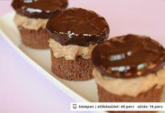 A dkg étcsokoládé 3 dl habtejszín Macaron Flavors, Macaron Recipe, Croatian Recipes, Hungarian Recipes, Cookie Recipes, Dessert Recipes, Desserts, Hungarian Cake, Hungarian Food