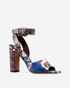 #Valentino #leather flower stamps #sandal SS2015