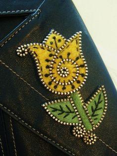 zipper and felt art...love it!