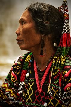 """This is listed as, """"T'boli woman from South Catabato, Mindanao by Catherine Israel-Angeles. We Are The World, People Of The World, Real People, Cultura Filipina, Beautiful World, Beautiful People, Folk Costume, Costumes, Filipino Culture"""