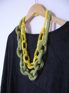 Crocheted chain necklace / Knitted chain necklace in yellow and green colors / Chainmaille / macrame and mercerized yarn / discounted item