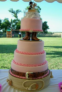 not going to this extreme but definately a cute western wedding cake