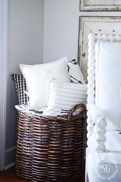 WHAT TO DO WITH ALL THOSE PILLOWS WHEN COMPANY COMES-Here's the best way to get rid of all those pillows on sofas and chairs when company comes! You will want to read this!
