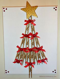 Tutorial to make this Christmas Pin(e) Wall Art on the blog today as part of Flashback Friday!