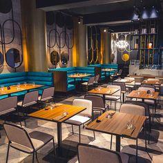Low Budget Home Decoration Ideas Key: 9347931544 Small Restaurant Design, Deco Restaurant, Luxury Restaurant, Bistro Design, Coffee Shop Design, Cafe Design, Bar Interior Design, Restaurant Interior Design, Home Renovation