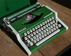 Working Typewriter - Vintage Olympia Traveller De Luxe Rare Forest Green Edition - Working Perfectly
