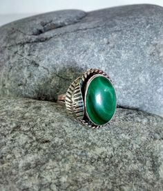 Navajo Sterling Silver Feather Ring Malachite by WeeLambieVintage