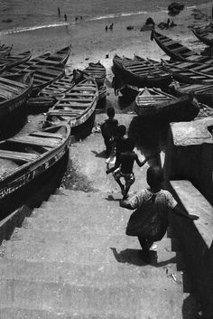"""the-moon-is-a-harsh-mistress: """" exiledpoetssociety: """" Accra Harbor, Ghana, 1957 - photo by Nicolas Tikhomiroff """" (***Click title link to view in high resolution***) """" Henri Cartier Bresson, Documentary Photographers, French Photographers, Magnum Photos, War Photography, Street Photography, White Photography, Black White Photos, Black And White"""
