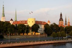 Рига (Латвия) Riga, Mansions, House Styles, Countries, Manor Houses, Villas, Mansion, Palaces, Mansion Houses