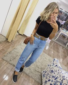 Weather Wear, Cute Casual Outfits, Feminine Style, Everyday Outfits, Casual Looks, Spring Outfits, Mom Jeans, Fashion Outfits, Womens Fashion