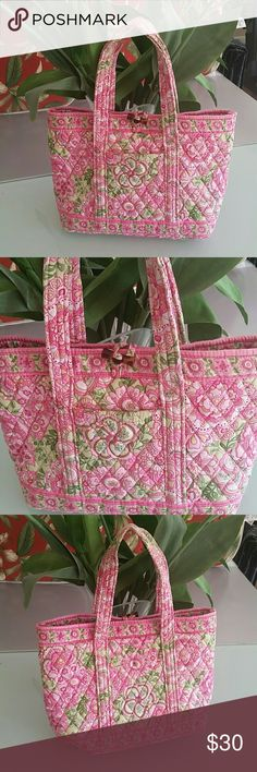 Vera Bradley bag Pretty bag. No zipper. Vera Bradley Bags Totes
