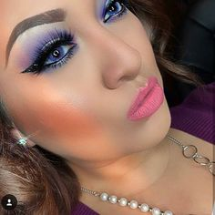 Top Makeup Accessories For The Professional Sexy Makeup, Gorgeous Makeup, Makeup Geek, Makeup Tools, Natural Contact Lenses, Best Contact Lenses, Pink Matte Lipstick, Green Contacts Lenses, Best Colored Contacts