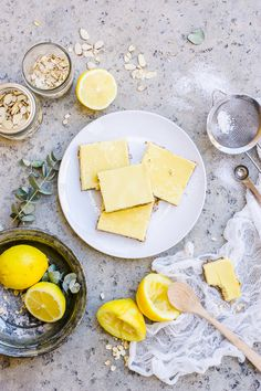 Increase Your Protein Intake with These Healthy Lemon Bars | http://helloglow.co/healthy-lemon-bars/