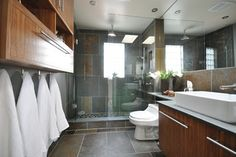 Brookside Drive - 1 - contemporary - bathroom - toronto - The Graces - ReMax Hallmark Realty