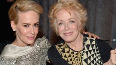 Actress Holland Taylor Is Talking About The 32 Year Age Gap Between Herself & Girlfriend Sarah Paulson via @oneloveallequal