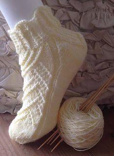 Ravelry: Beatrice pattern by Elena Rise Wool Socks, Knitting Socks, Short Socks, Knit Or Crochet, Anklets, Ravelry, Christmas Stockings, Knitting Patterns, Sewing