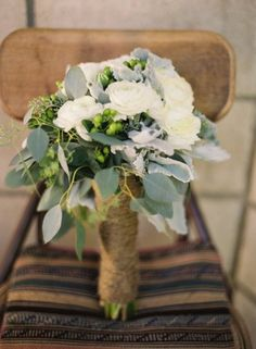 pretty - wrap a vase with twine and have a pretty centerpiece